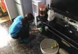 天辰代理_保洁员清洁微波炉的技巧与注意事项